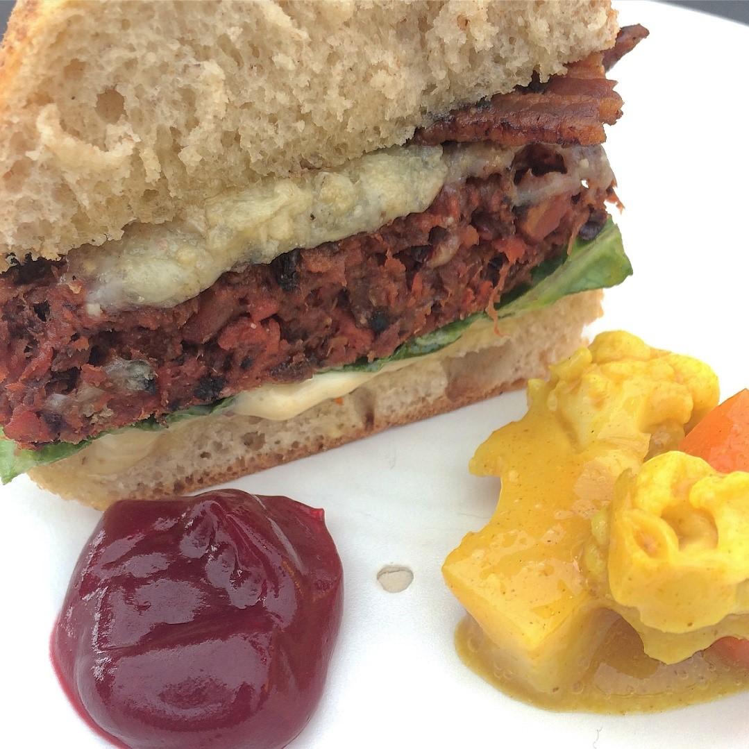 Juice pulp bacon cheeseburger.jpg